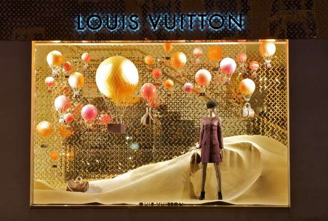 vitrina aerea louis vuitton (2)